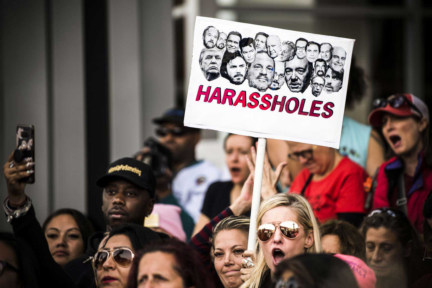 در 12 نوامبر 2017، معترضین به یک راهپیماییِ میتو در لسآنجلس پیوستند