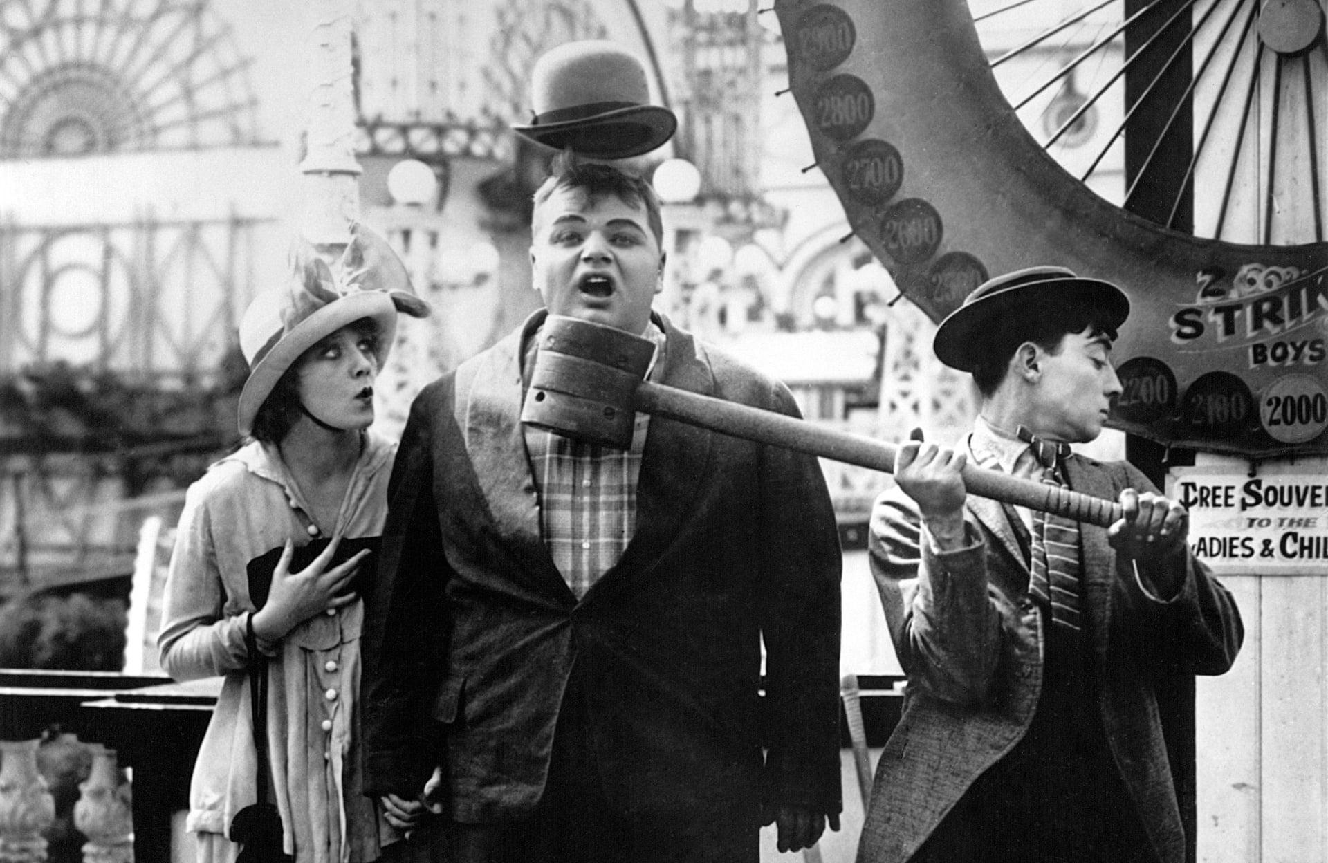 نورماند، آرباکل و به استر کیتون در نمایی از فیلم کونی آیلند (1917)