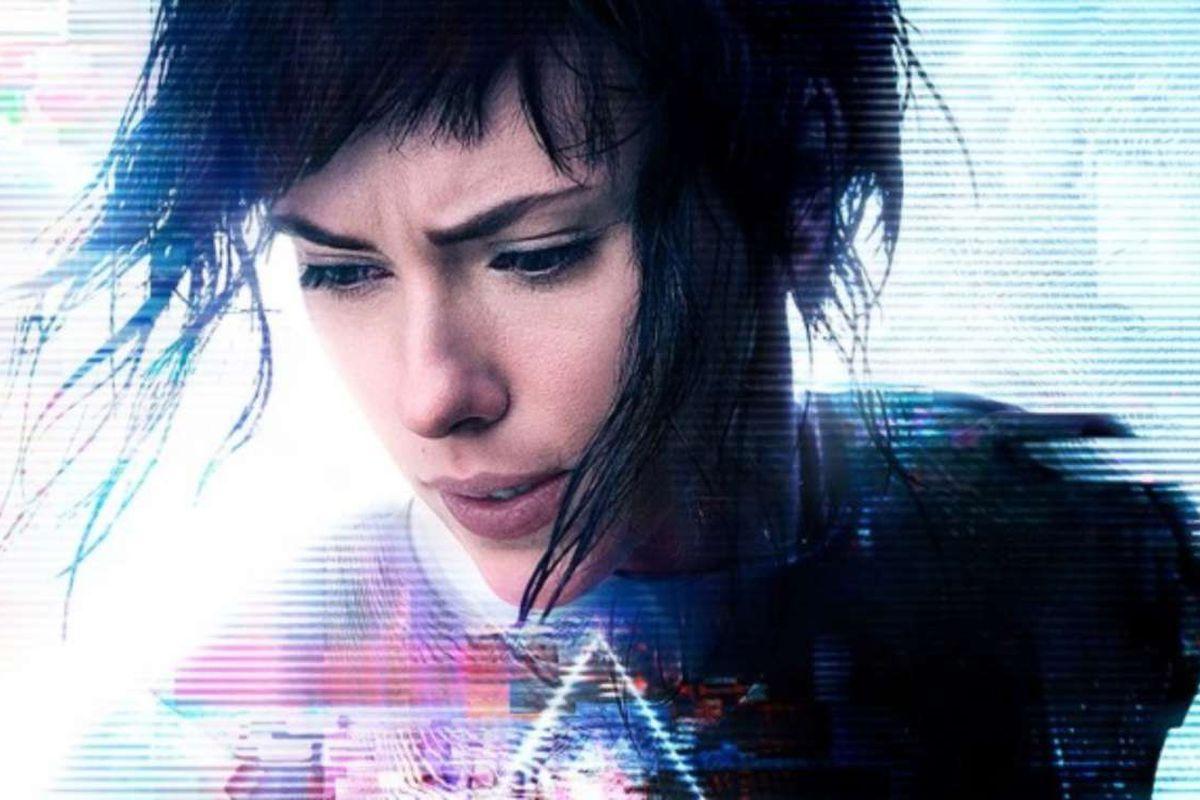 فیلم سینمایی شبح درون پوسته (2017) با بازی اسکارلت جوهنسن